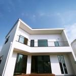 遊び心と斬新さが詰まった自然素材のデザイン住宅
