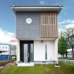 南欧プロバンス風のデザイナー住宅。無垢材と自然素材を巧みに使い素朴で開放的な家に