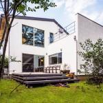 20帖の吹抜けLDKとテラスが一体になるデザイン注文住宅