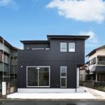 無垢材をたっぷりのシンプルモダンなデザイン住宅