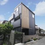 内外装に和のデザインを取り入れた無垢素材の家